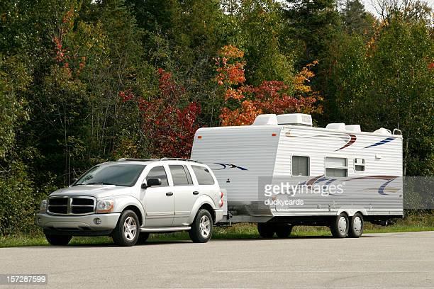 Geländewagen und Tow Anhänger