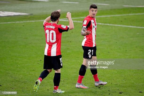 Ander Capa of Athletic de Bilbao celebrates 10 with Iker Muniain of Athletic de Bilbao during the La Liga Santander match between Athletic de Bilbao...