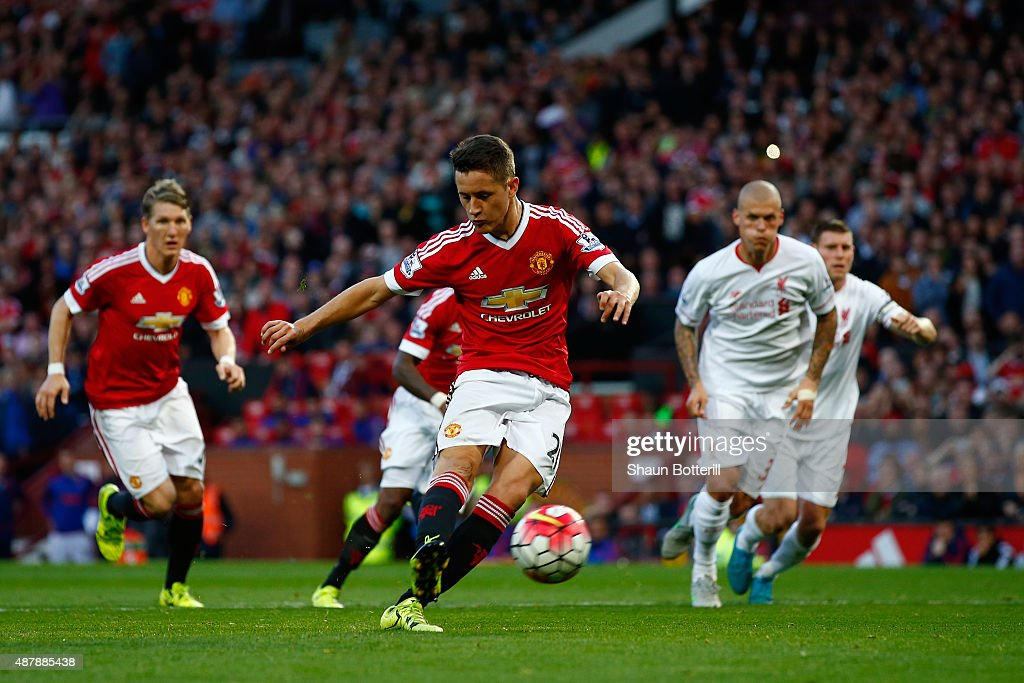 Manchester United v Liverpool - Premier League : News Photo
