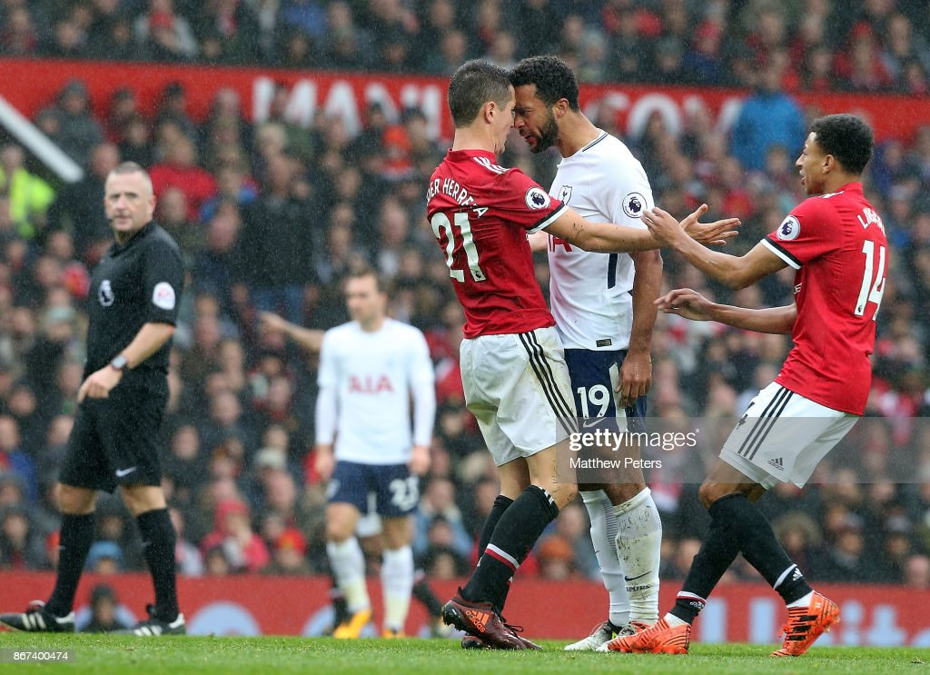Ander Herreran of Manchester United clashes with Mousa Dembele of Tottenham Hotspur during the Premier League match between Manchester United and Tottenham Hotspur at Old Trafford on October 28, 2017 in Manchester, England.
