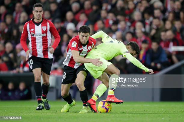 Ander Iturraspe of Athletic Bilbao Philippe Coutinho of FC Barcelona during the La Liga Santander match between Athletic de Bilbao v FC Barcelona at...