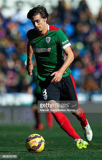 Ander Iturraspe of Athletic Club runs with the ball during the La Liga match between Levante UD and Athletic Club at Ciutat de Valencia on Februray...