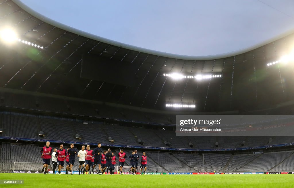 Anderlecht players warm up during an RSC Anderlecht training session ahead of the UEFA Champions League Group B match against Bayern Muenchen at Fussball Arena Muenchen on September 11, 2017 in Munich, Germany.