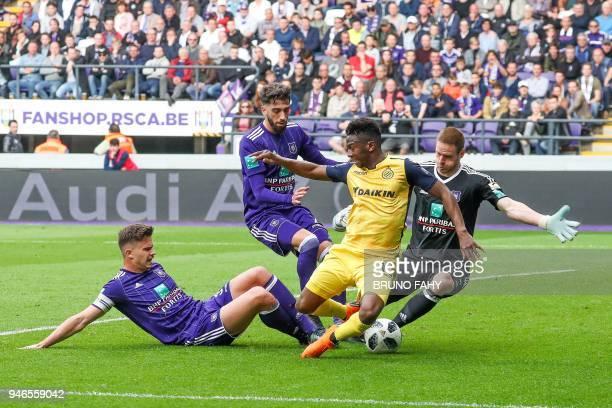 Anderlecht's Leander Dendoncker Anderlecht's Josue Sa Club's Abdoulay Diaby and Anderlecht's goalkeeper Matz Sels vie for the ball during the Jupiler...