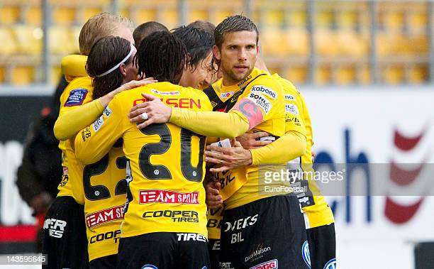 Anders Svensson of IF Elfsborg celebrates a goal with teammates during the Swedish Allsvenskan League match between IF Elfsborg and GAIS Goteborg...