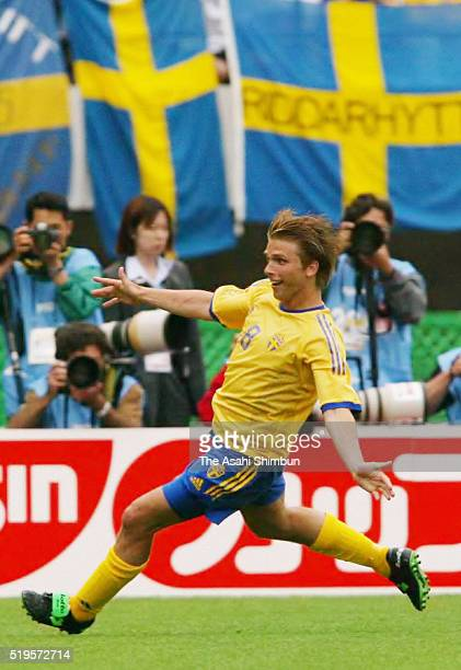 Anders Svensson of Sweden celebrates scoring his team's first goal during the FIFA World Cup Korea/Japan Group F match between Sweden and Argentina...