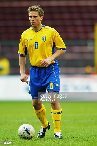Anders Svensson of Sweden runs with the ball during the International Friendly match between Sweden and Croatia held on April 30 2003 at the Rasunda...