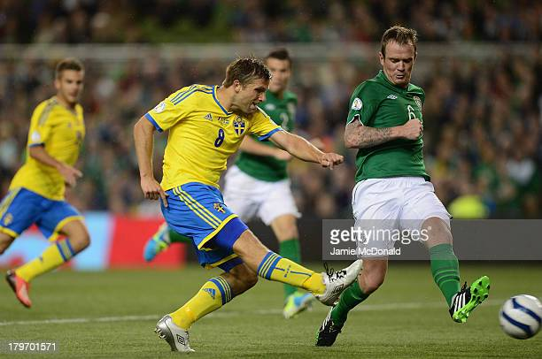 Anders Svensson of Sweden scores his goal during the FIFA 2014 World Cup Qualifying Group C match between Republic of Ireland and Sweden at Aviva...