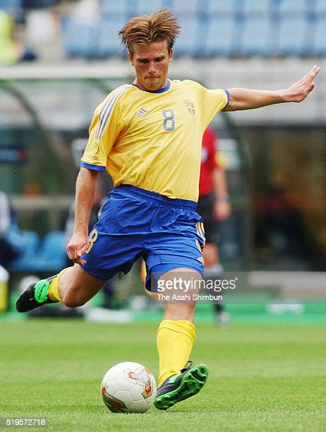 Anders Svensson of Sweden scores his team's first goal from a free kick during the FIFA World Cup Korea/Japan Group F match between Sweden and...