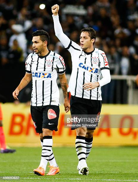 Anderson Martins of Corinthians celebrates their first goal during the match between Corinthians and Sport Recife for the Brazilian Series A 2014 at...