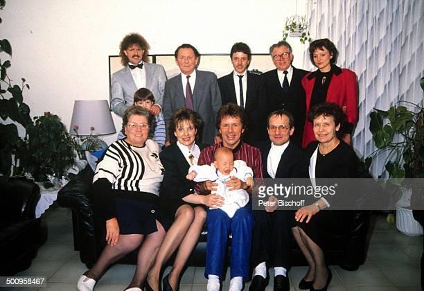 GG Anderson mit Ehefrau Monika GG Anderson Eltern Imgard und Willi Brüder Jürgen Grabowski mit Tochter und Edgar Grabowski dazu Monikas Vater Werner...