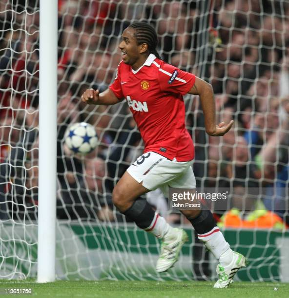 Anderson of Manchester United celebrates scoring their fourth goal during the UEFA Champions League SemiFinal secondleg match between Manchester...