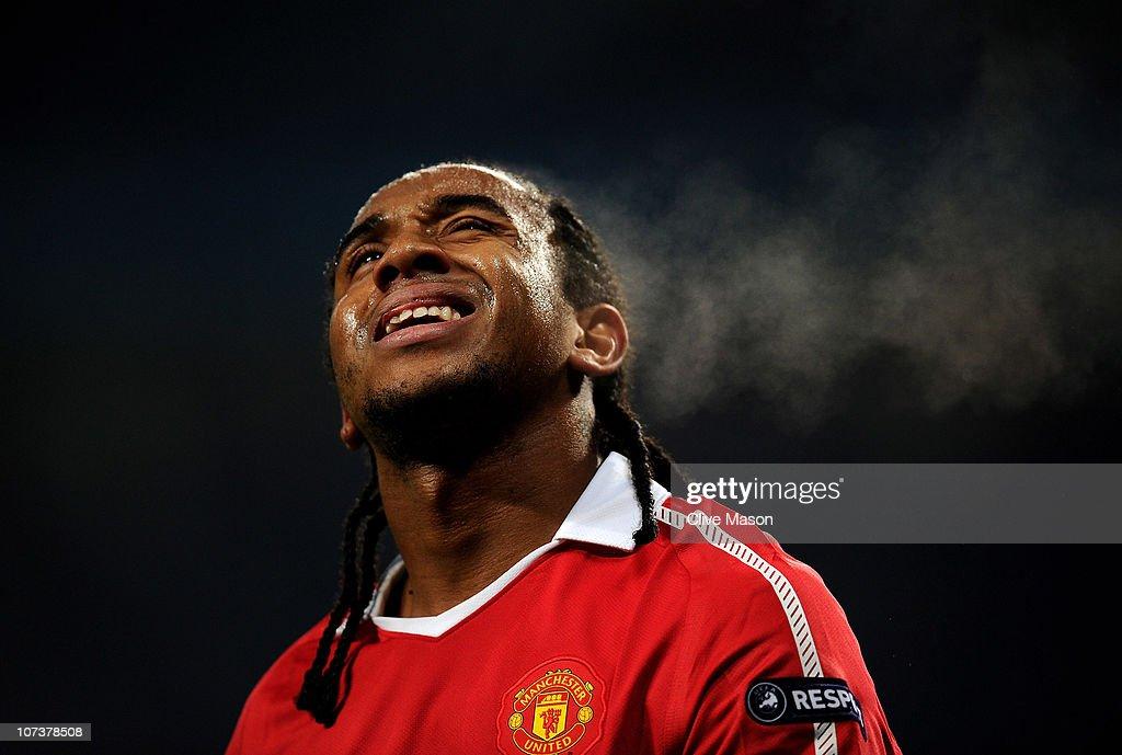 Manchester United v Valencia - UEFA Champions League : News Photo