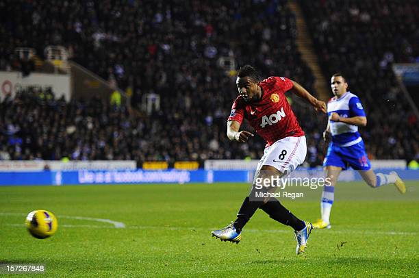 Anderson of Manchester United scores a goal during the Barclays Premier League match between Reading and Manchester United at Madejski Stadium on...