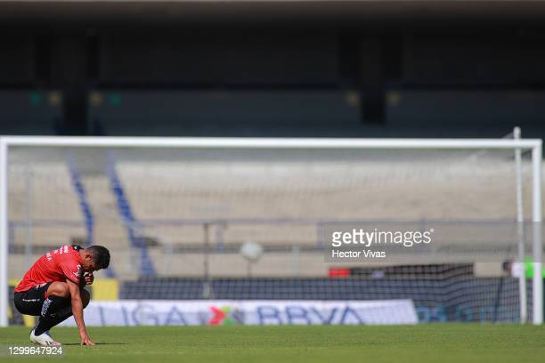 Anderson Santamaria of Atlas reacts during the 4th round match between Pumas UNAM and Atlas as part of the Torneo Guard1anes 2021 Liga MX at Olimpico...