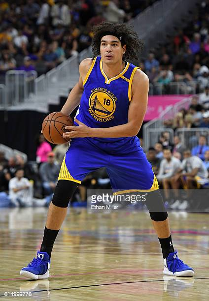 Anderson Varejao of the Golden State Warriors looks to pass against the Los Angeles Lakers during their preseason game at TMobile Arena on October 15...