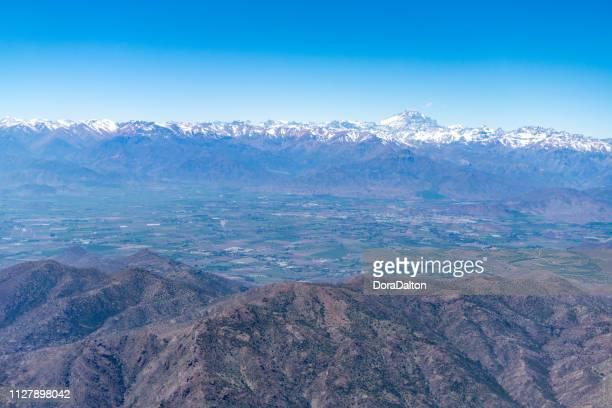 vista aérea andes ao amanhecer - santiago região metropolitana de santiago - fotografias e filmes do acervo