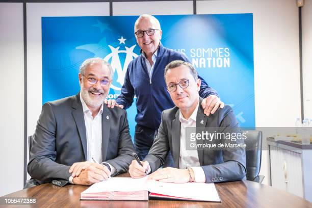 Andoni Zubizaretta signs his contract extension with Olympique de Marseille in the presence of JacquesHenry Eyraud and Franck McCourt on October 28...