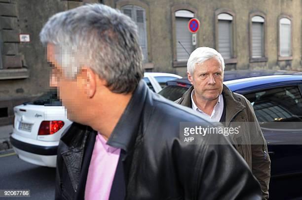 André Bamberski , le père de Kalinka Bamberski arrive au tribunal de Mulhouse le 20 Octobre 2009. Dans la nuit de dimanche 18 octobre, un appel...