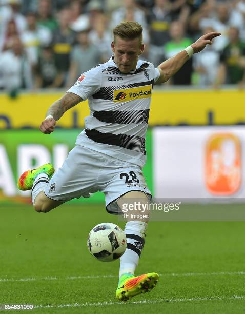 André Hahn of Moenchengladbach scores a goal during the Bundesliga match between Borussia Moenchengladbach and Bayer 04 Leverkusen at BorussiaPark on...
