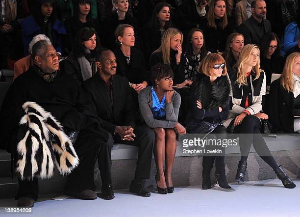 André Leon Talley Julius Tennon actress Viola Davis EditorinChief of Vogue Anna Wintour and professional tennis player Maria Sharapova attend the...