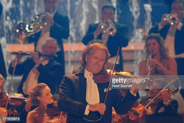 "AndrŽ Rieu, ""Johann Strauss Orchester"", ZDF-Show ""Willkommen bei C a r m e n N e b e l"", Westfalenhalle, Dortmund, Nordrhein-Westfalen, Deutschland,..."