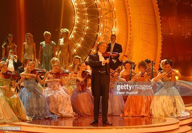 "AndrŽ Rieu , ""Johann Strauss Orchester"", ZDF-Show ""Willkommen bei C a r m e n N e b e l"", Westfalenhalle, Dortmund, Nordrhein-Westfalen, Deutschland,..."