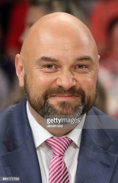 André Schulz Bundesvorsitzender Bund Deutscher Kriminalbeamter in der ZDFTalkshow maybrit illner am in Berlin Frankreich im Ausnahmezustand Zwischen...