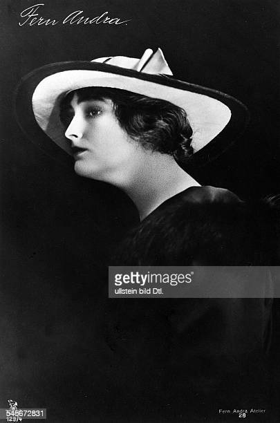 Andra Fern Actress USA *24111894 with hat around 1910 Vintage property of ullstein bild