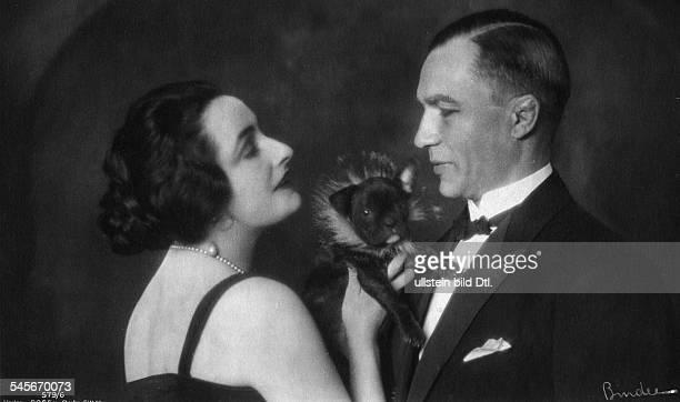 Andra Fern Actress USA *24111894 with her husband Kurt Prenzel undated Vintage property of ullstein bild