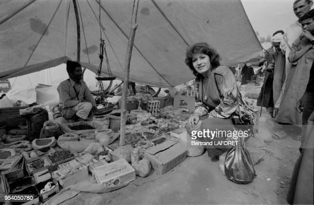 Andréa Ferréol dans le souk de AlTatlat lors des 4ème rencontre de la fondation Philip Morris pour le cinéma français à Taroudant en novembre 1981...