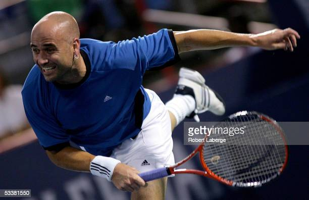 Andre Agassi of the U.S. Plays Gaston Gaudio of Argentina during the quarter final of the ATP Rogers Cup Masters tennis tournament August 12, 2005 at...