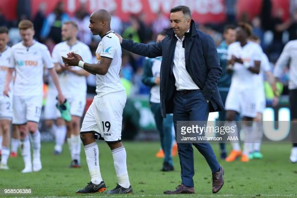 Andre Ayew of Swansea City and Swansea City manager Carlos Carvalhal during the Premier League match between Swansea City and Stoke City at Liberty...