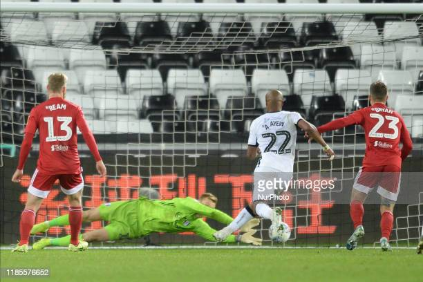 Andre Ayew of Swansea City comes close to scoring during the Sky Bet Championship match between Swansea City and Fulham at the Liberty Stadium...
