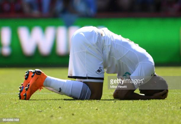 Andre Ayew of Swansea City looks dejected during the Premier League match between AFC Bournemouth and Swansea City at Vitality Stadium on May 5 2018...
