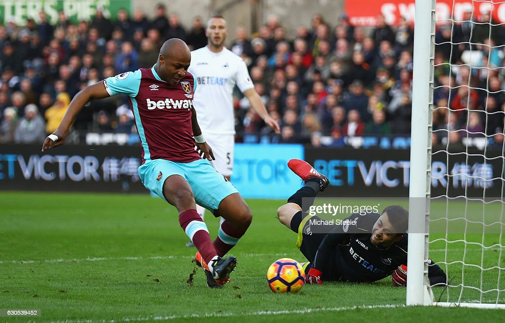Swansea City v West Ham United - Premier League