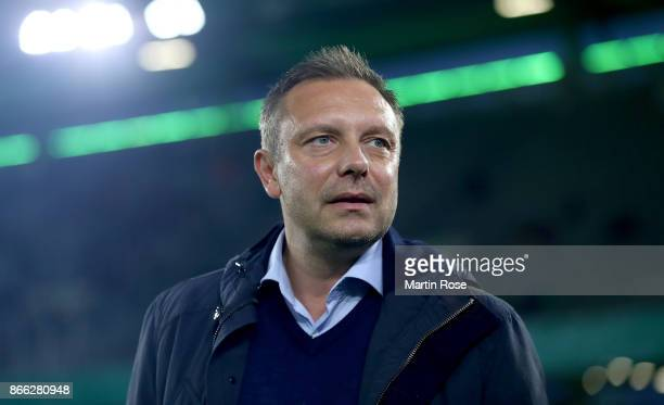Andre Breitenreiter head coach of Hannover looks on before the DFB Cup match between VfL Wolfsburg and Hannover 96 at Volkswagen Arena on October 25...