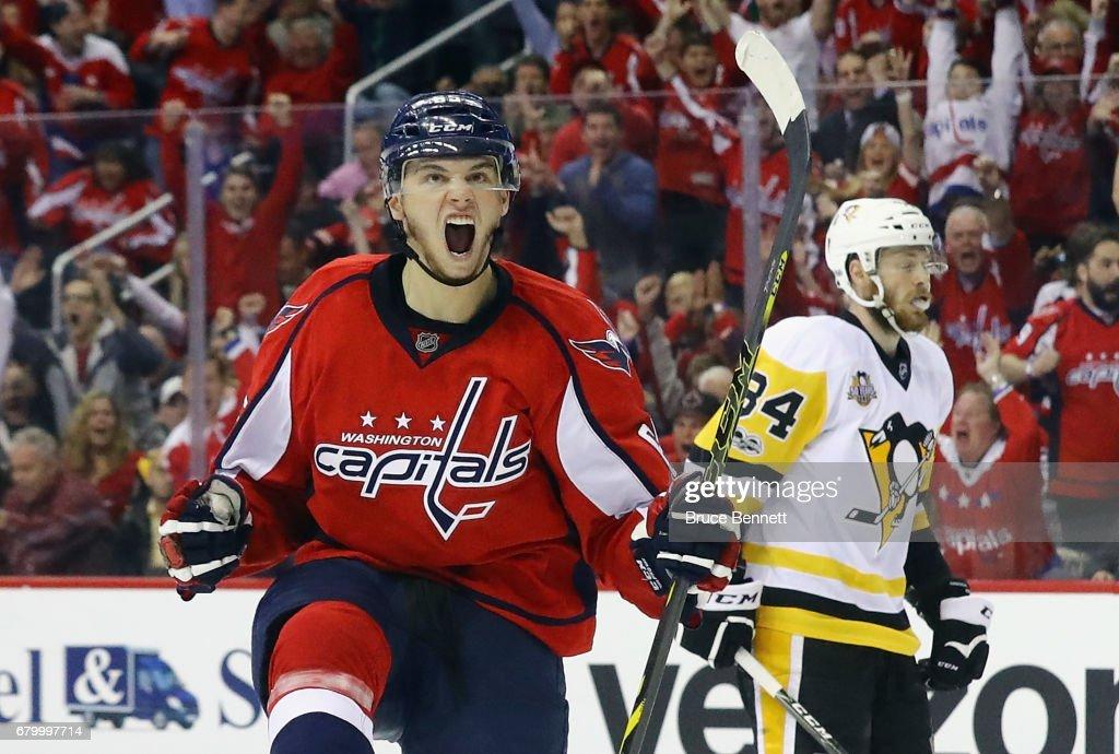 Pittsburgh Penguins v Washington Capitals - Game Five : News Photo