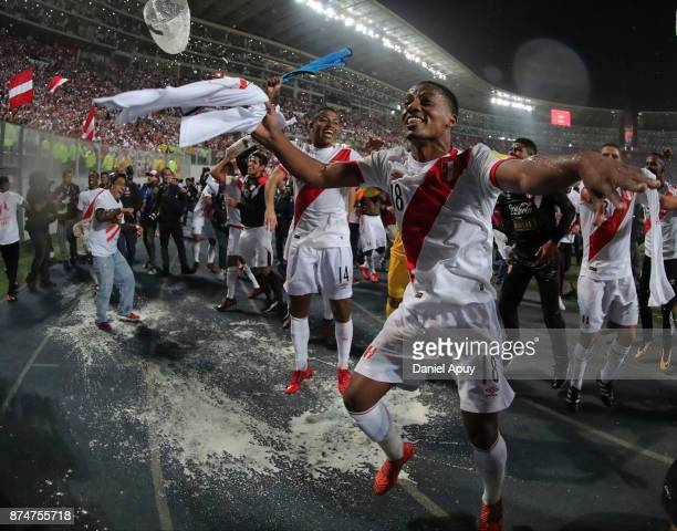 Andre Carrillo of Peru celebrates the qualification after the second leg match between Peru and New Zealand as part of the 2018 FIFA World Cup...