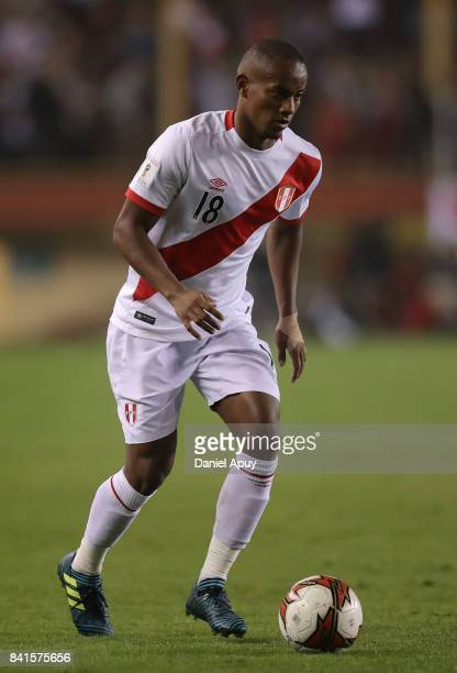 Andre Carrillo of Peru controls the ball during a match between Peru and Bolivia as part of FIFA 2018 World Cup Qualifiers at Monumental Stadium on...