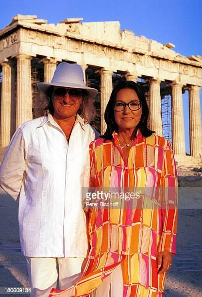 Andre Chapelle Nana Mouskouri Dreharbeiten zum ARDSpecial Ein Star und seine Stadt Athen Griechenland Akropolis Manager Freund