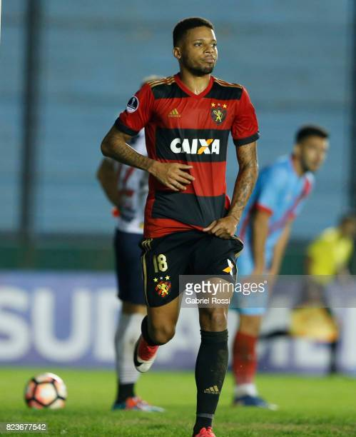 Andre Felipe of Sport Recife celebrates after scoring the first goal of his team during a second leg match between Arsenal and Sport Recife as part...