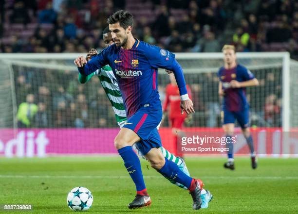 Andre Filipe Tavares Gomes of FC Barcelona competes for the ball with William Carvalho of Sporting CP during the UEFA Champions League 201718 match...