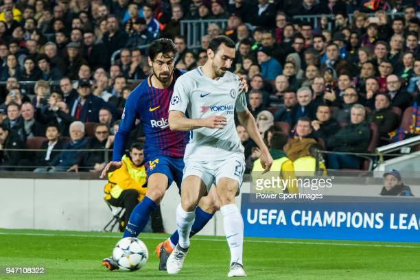 Andre Filipe Tavares Gomes of FC Barcelona fights for the ball with Davide Zappacosta of Chelsea FC during the UEFA Champions League 201718 Round of...