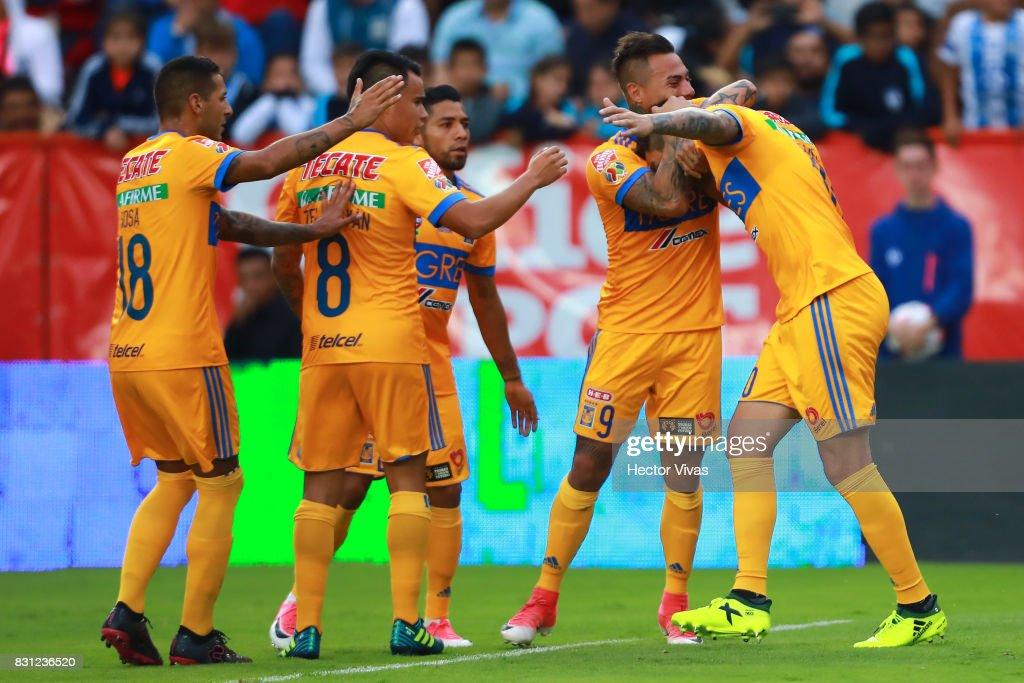 Pachuca v Tigres UANL - Torneo Apertura 2017 Liga MX