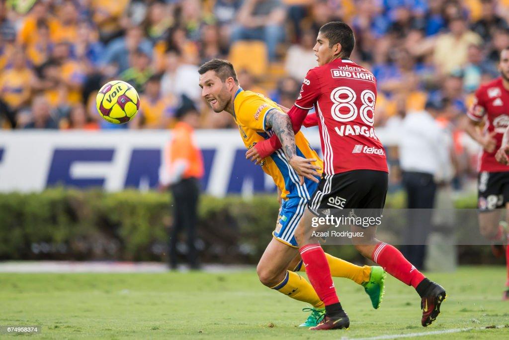 Tigres UANL v Tijuana - Torneo Clausura 2017 Liga MX : Foto jornalística