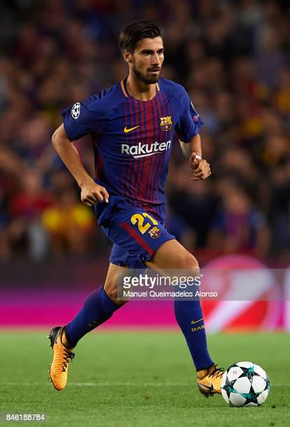 Andre Gomes of Barcelona runs with the ball during the UEFA Champions League group D match between FC Barcelona and Juventus at Camp Nou on September...