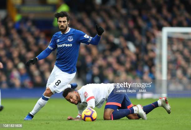 Andre Gomes of Everton and Josh King of Bournemouth during the Premier League match between Everton FC and AFC Bournemouth at Goodison Park on...