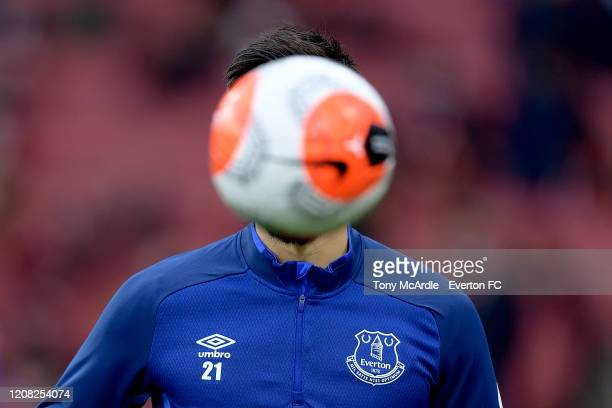 Andre Gomes of Everton has his face blocked by the Nike Merlin match ball before the Premier League match between Arsenal and Everton at Emirates...