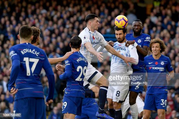 Andre Gomes of Everton heads the ball during the Premier League match between Chelsea and Everton at Stamford Bridge on November 11 2018 in London...